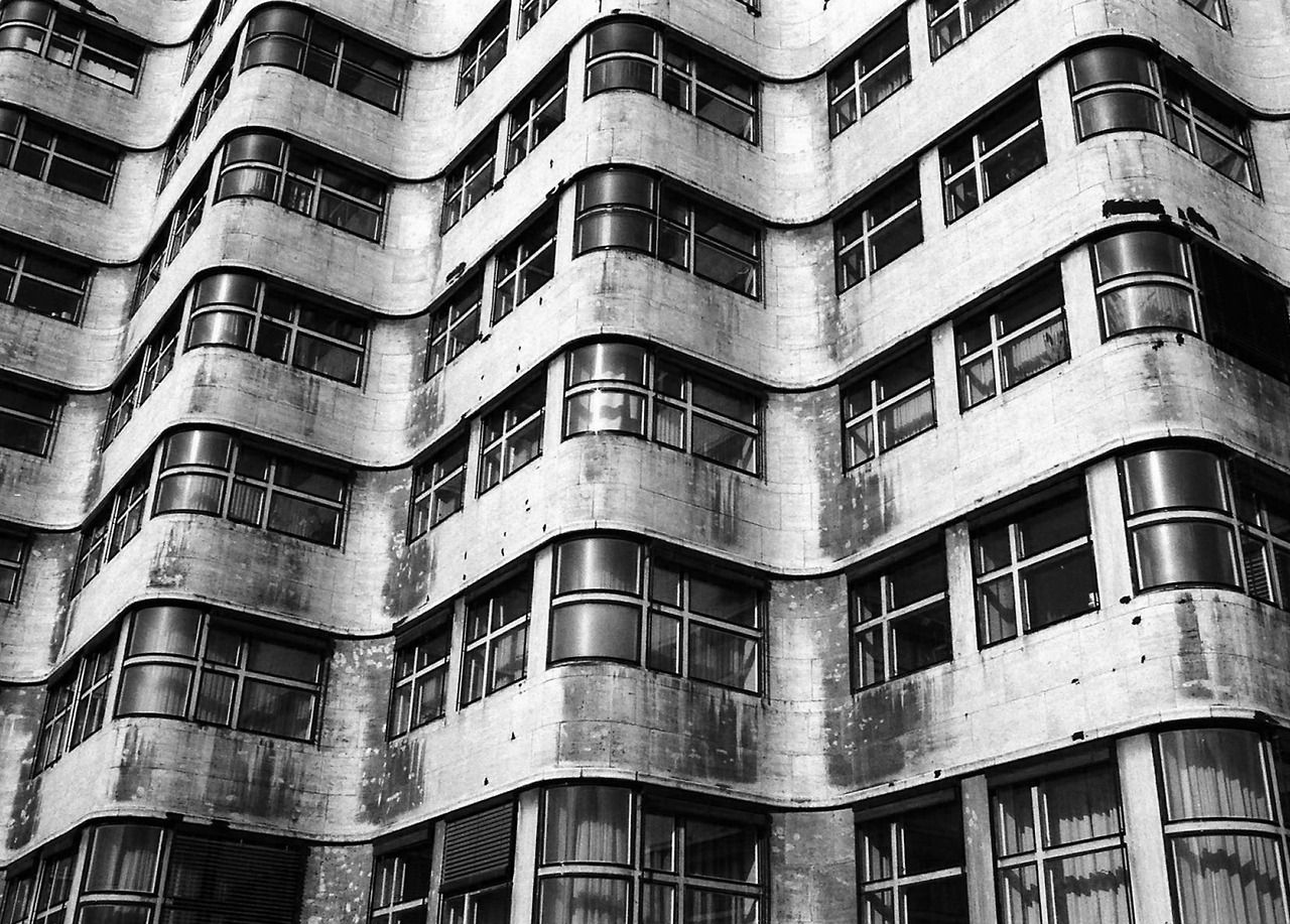 Shell housetiergarten berlin designed by emil fahrenkamp and finished in 1930