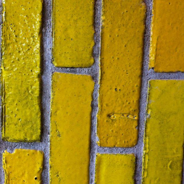 Yellow brick wall | Roy G. Biv | Pinterest | Bricks, Walls and Wall ...