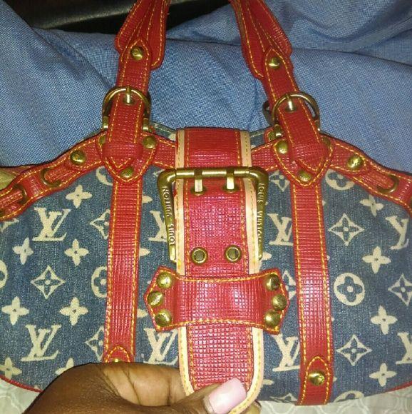 Nice bag, over fifteen years old!! very nice nice bag Bags