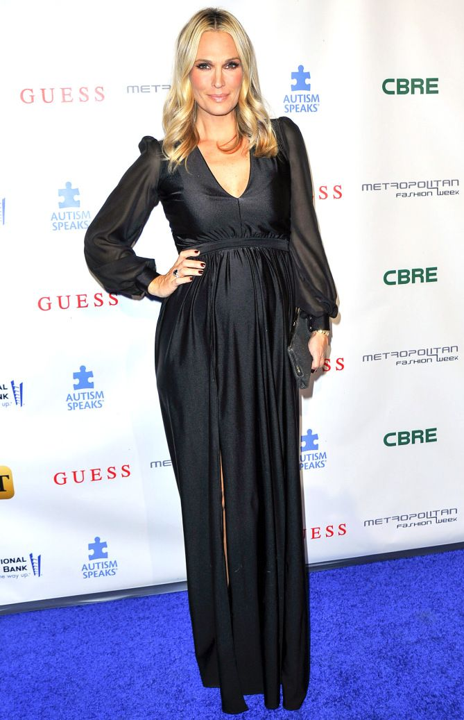 http://people.com/style/last-nights-look-celebrity-red-carpet-photos-092616/molly-sims