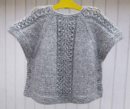 Ea\'s Poncho pattern by Flora Design | Tejidos de punto, Tejido y Puntos
