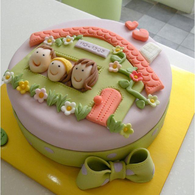 Housewarming cake by Hyeyoung Kim