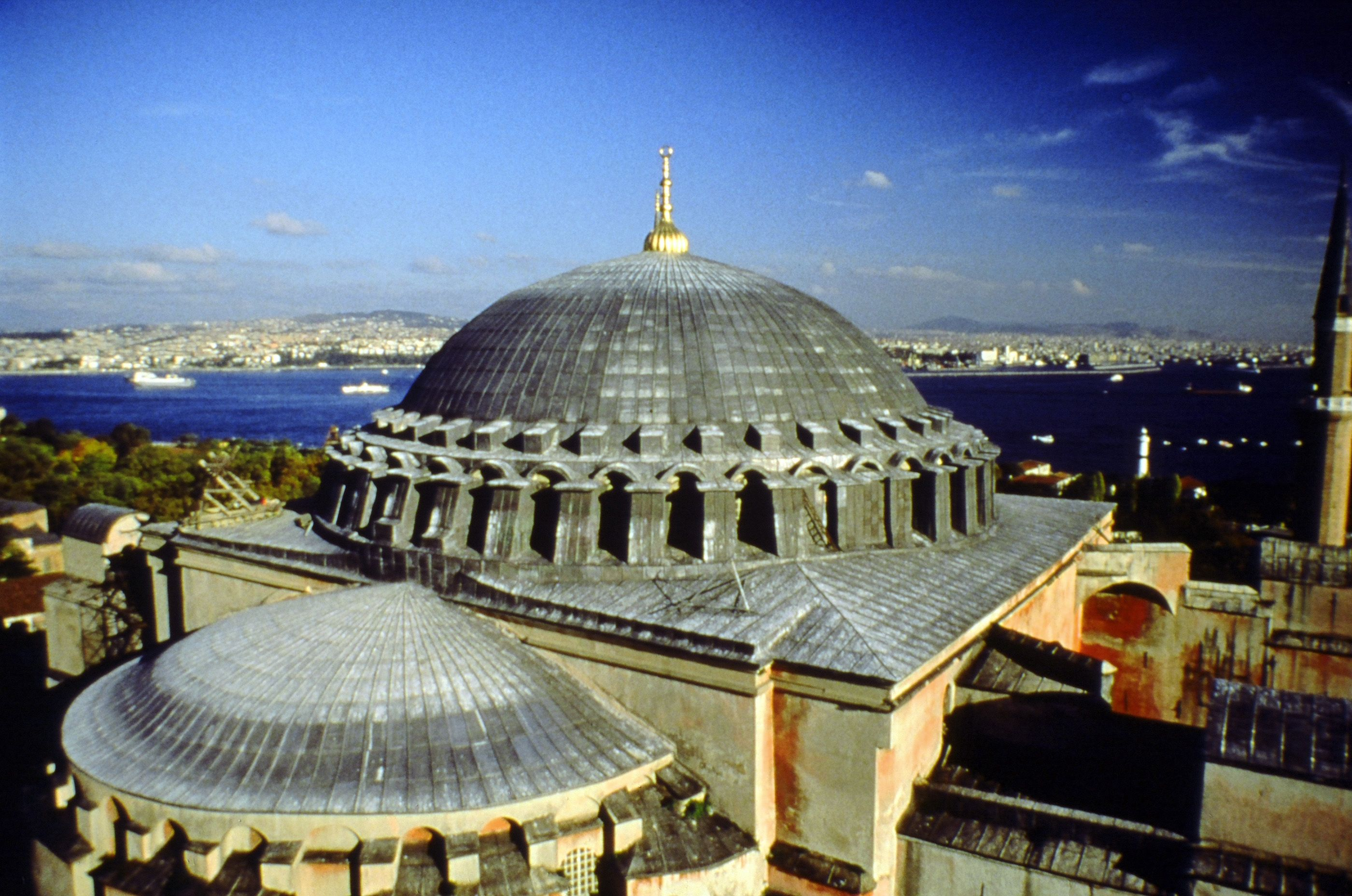 Exterior View Of Central Dome With Ring Of 40 Windows At Base Cruise Deals Cruise Reviews Cruise Critic
