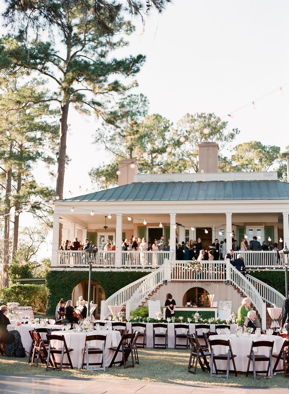 A South Carolina Wedding At Oldfield Club A Lowcountry Wedding Blog Magazine Charleston Savannah Hilton Head Myrtle Beach South Carolina Wedding Wedding Venues South Carolina South Carolina Beach Wedding
