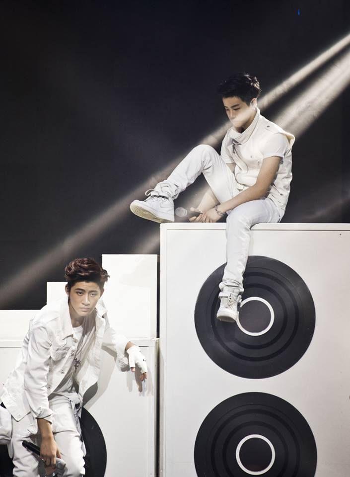 #B.I , Jinhwan #Win Team B #YG