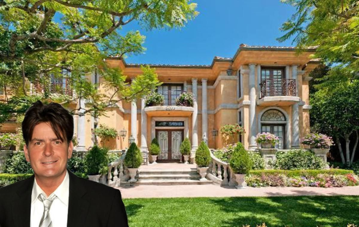 Charlie sheen photos inside celebrity homes charlie for Movie star homes beverly hills