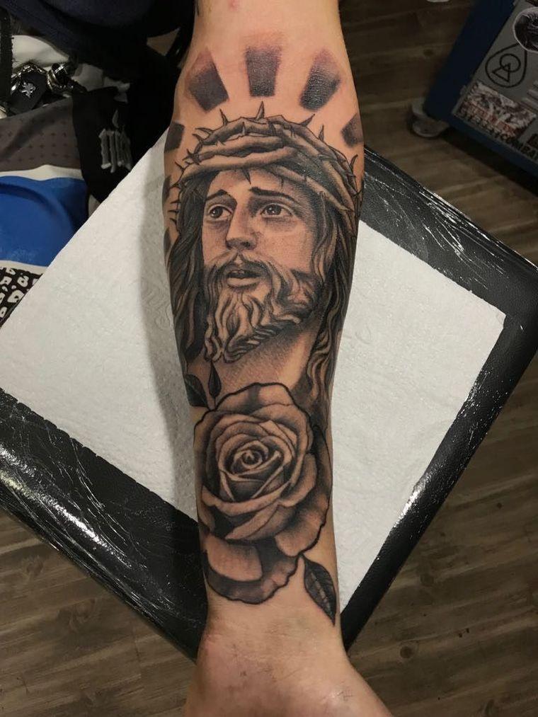 Jesucristo Significados De Los Tatuajes Con Sus Diferentes Imagenes Tatuaje De Jesus Tatuaje De Cruz Con Alas Tatuaje De Cristo