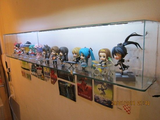 12 Diy Display Cases Ideas Which Make Your Stuff More Presentable Display Case Dollar Stores