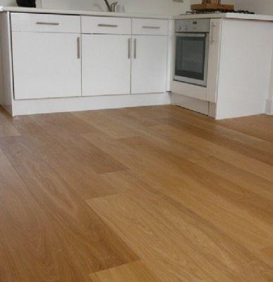 Laminate floor in the kitchen פרקטים מטבחים יורם פרקט מכירה והתקנה טל: 050-9911998  http://www.2all.co.il/web/Sites1/yoram-parquet/PAGE1.asp