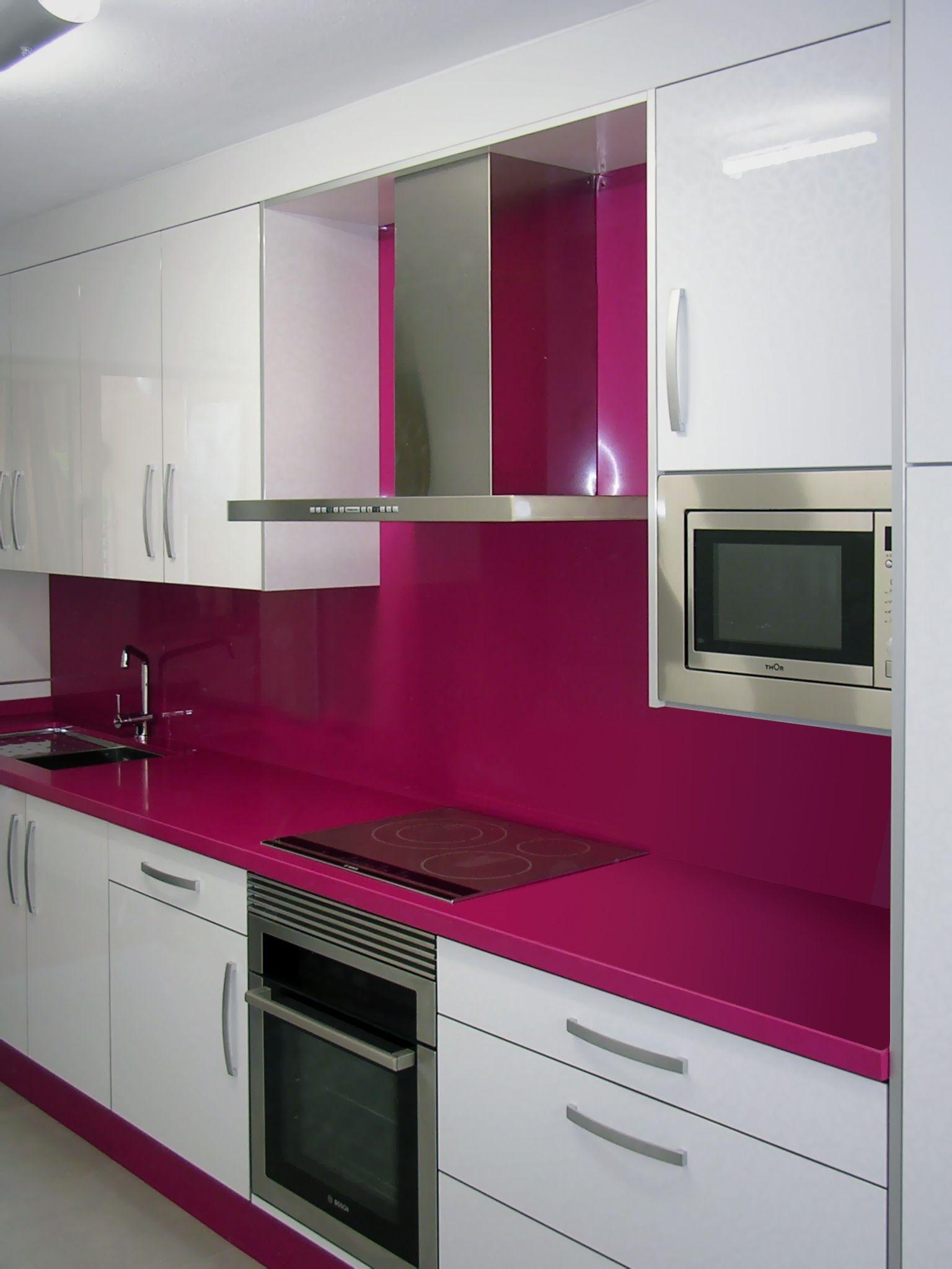 Y si vestimos al oto o de colores alegres decimos esto y for Interior design 08742