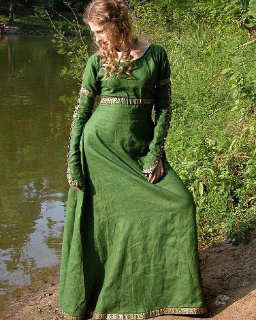 53 Best Images About Medieval Dress On Pinterest: Les 25 Meilleures Idées De La Catégorie Robes Renaissance