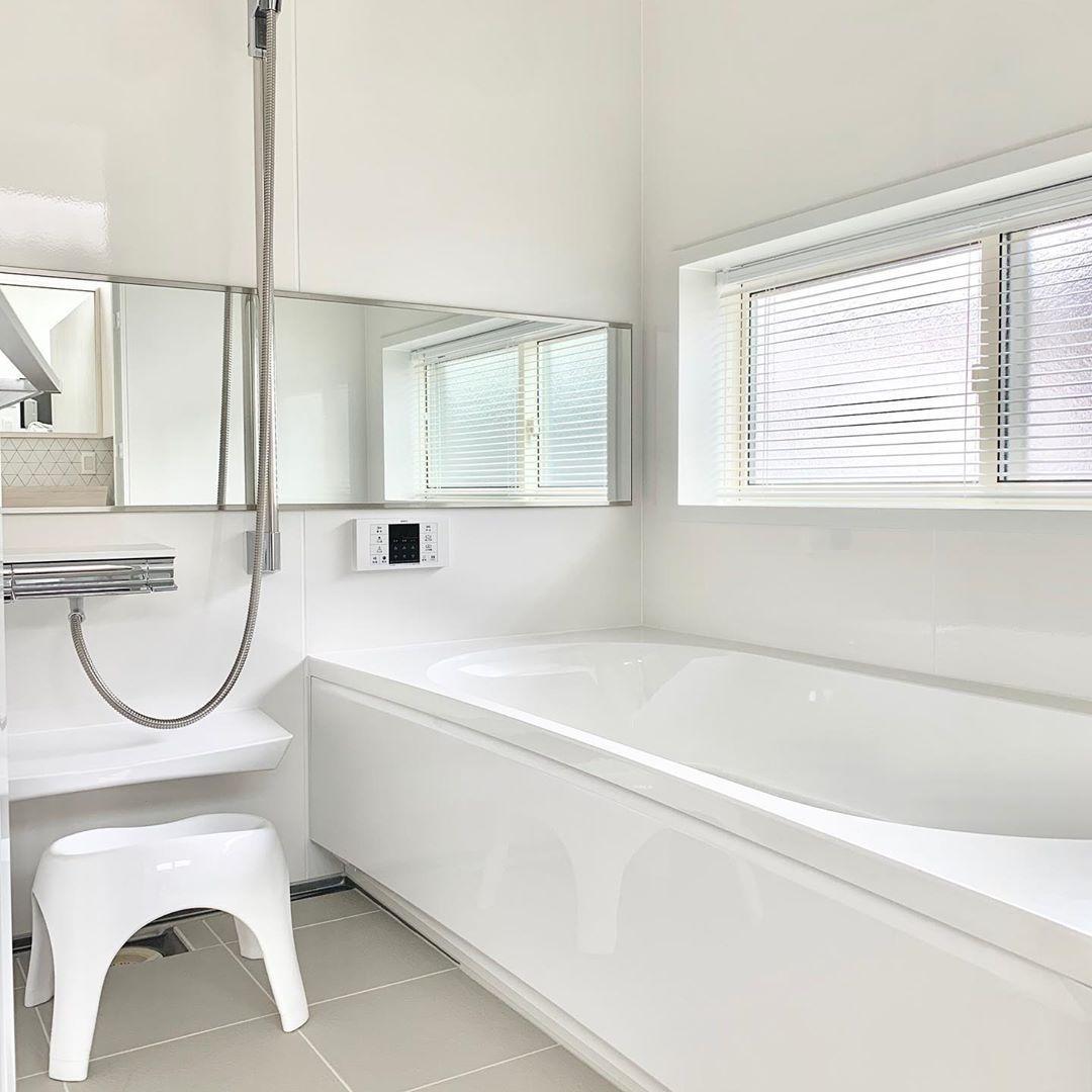 S Home On Instagram 浴室ブラインド 届きました 我が家のお風呂は2階でそこまで人の視線があるような環境ではないのですが やっぱり夜に外から見ると人影がわかるのでブラインド付けました 立川機工というところの浴室用アルミブラインドです