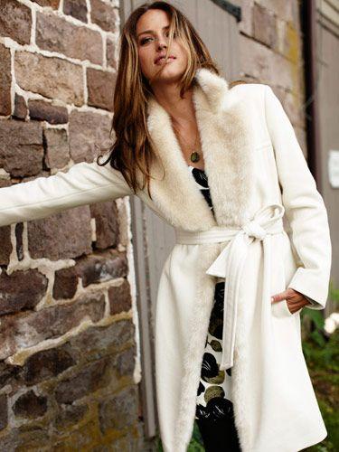 cappotto bianco con pelliccia - Cerca con Google  1dcd3f0fcbf