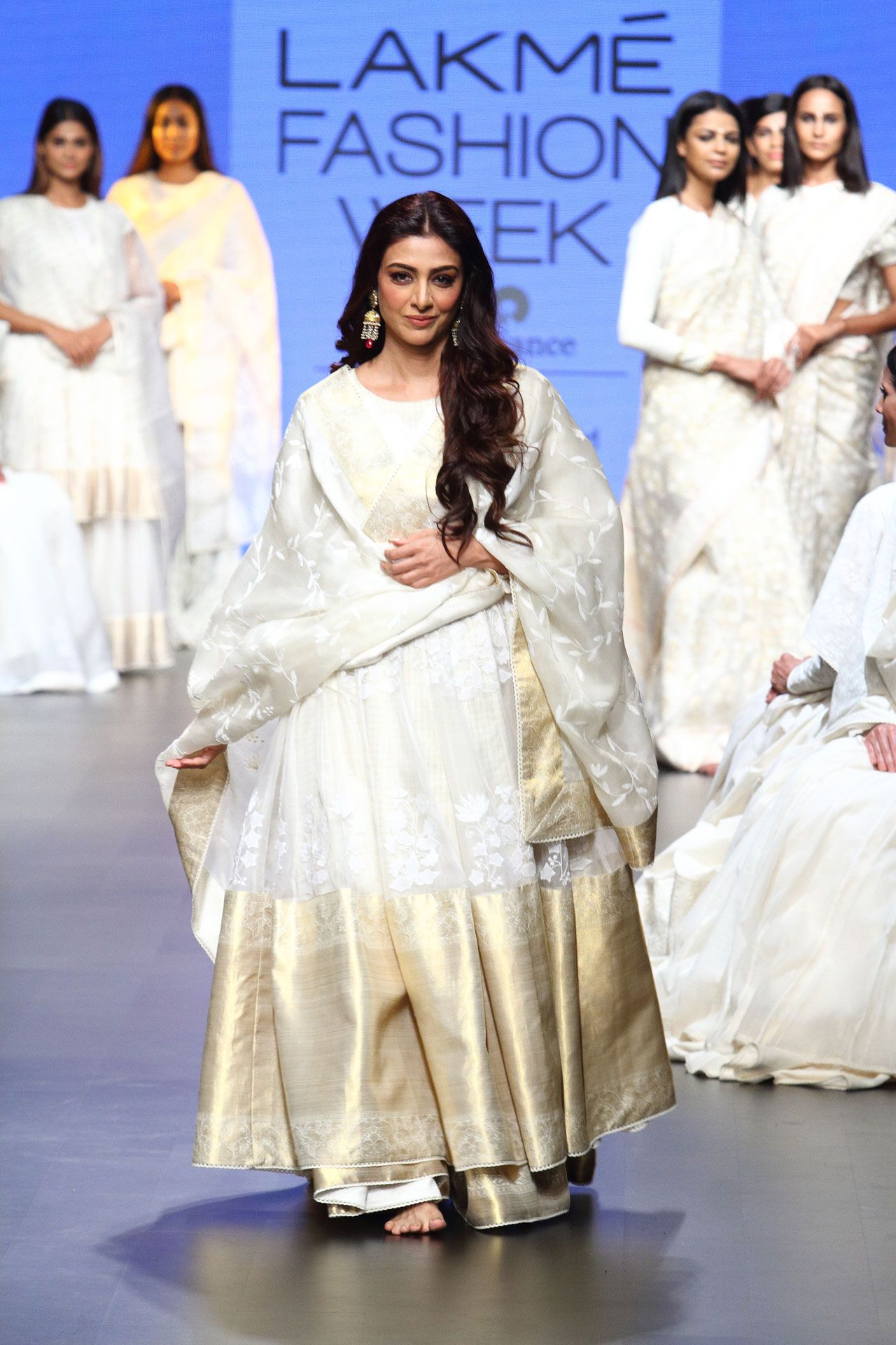 Latest fashion shows indian dresses