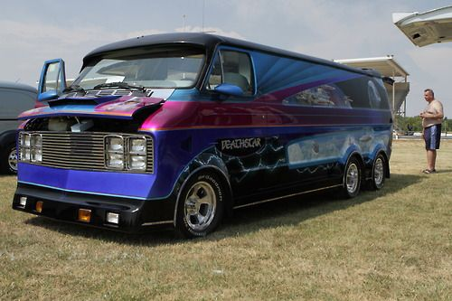 dodge van               6x6 in the world     by: www.01a-teamservice.com