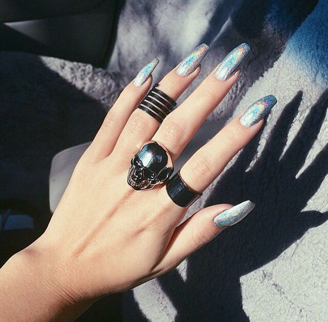 Long Coffin Metallic Nails That Always Shimmers