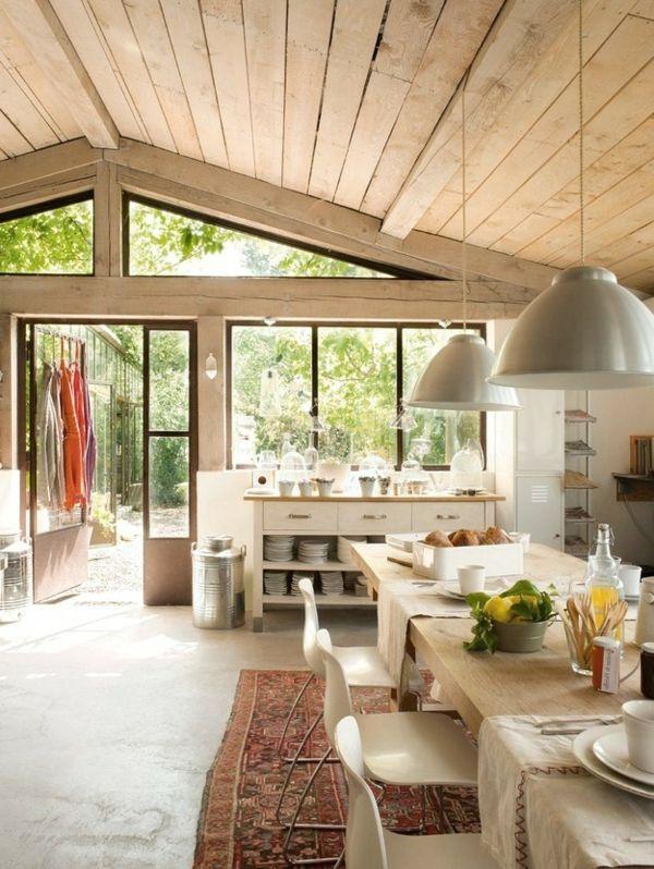 Helle Küche Im Französischen Landhausstil  Holzbretter   Die Wohnung Im  Landhausstil