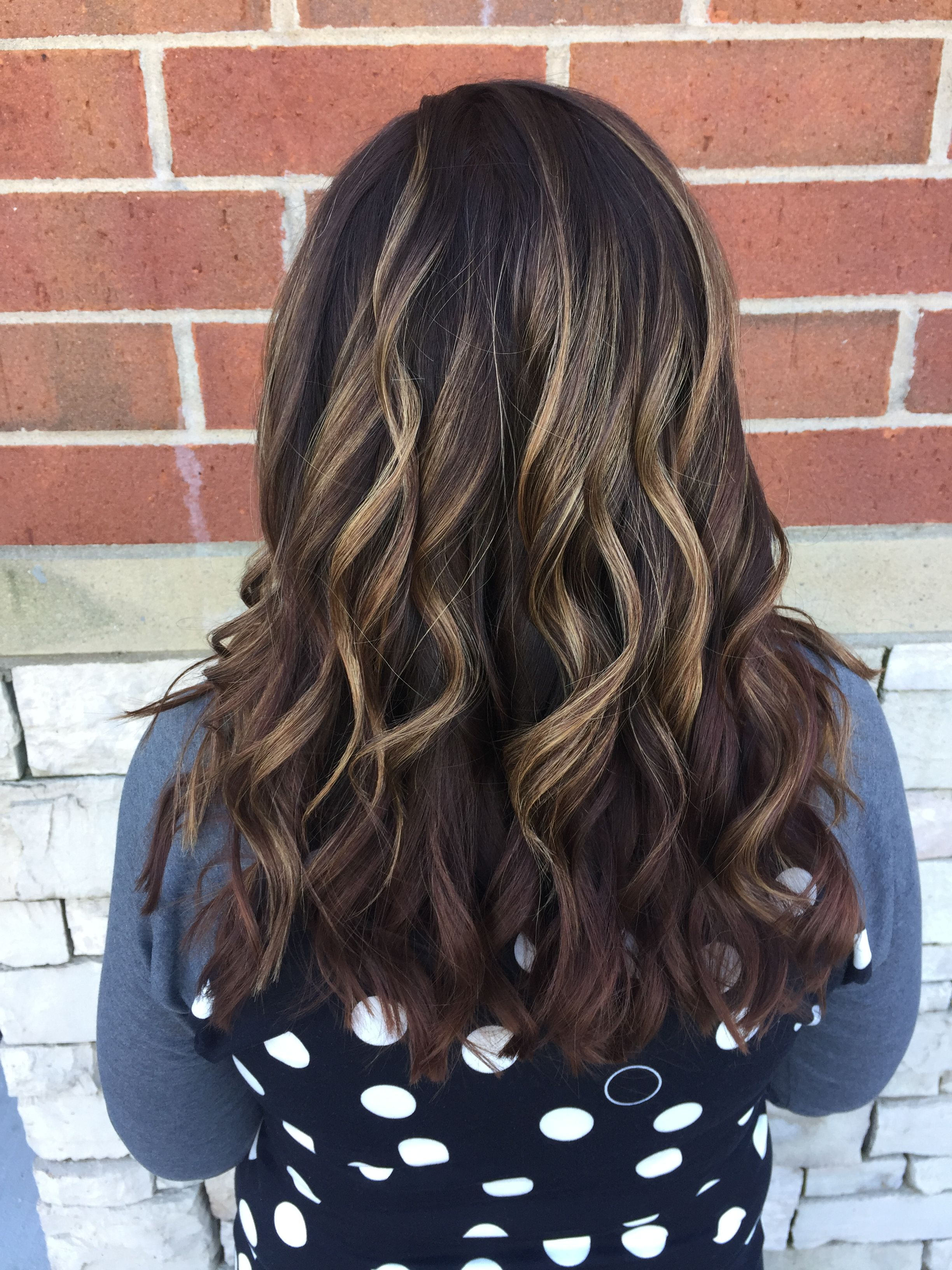 Beautiful root shadow with curls #rootshadow #redken #curls #hair #haircolor #balayage