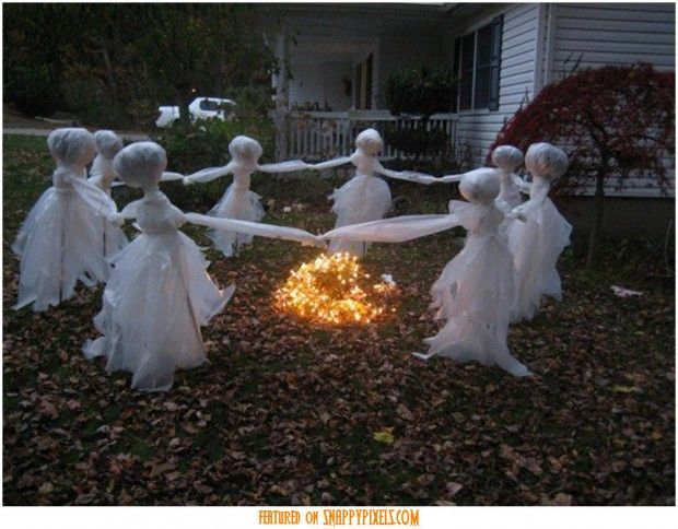 Scary Halloween Decoration Ideas For Outside 34 Yard Pics Http Www Snappypixels Com Diy Ideas Halloween Lawn Halloween Lawn Ghosts Halloween Diy Outdoor