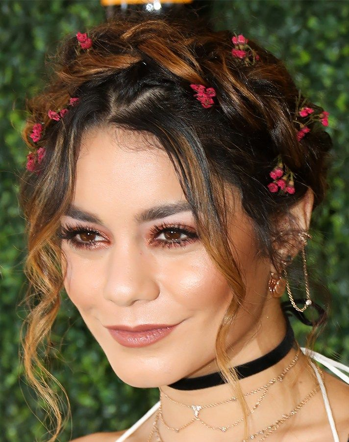 The 20 Best Holiday Hairstyles to Try ASAP | StyleCaster