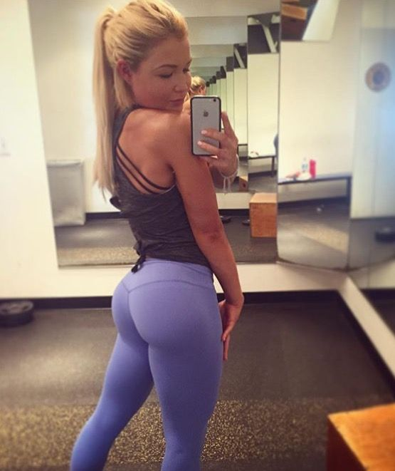 Purple yoga pants gym selfie yoga pants for Mundo fitness gym