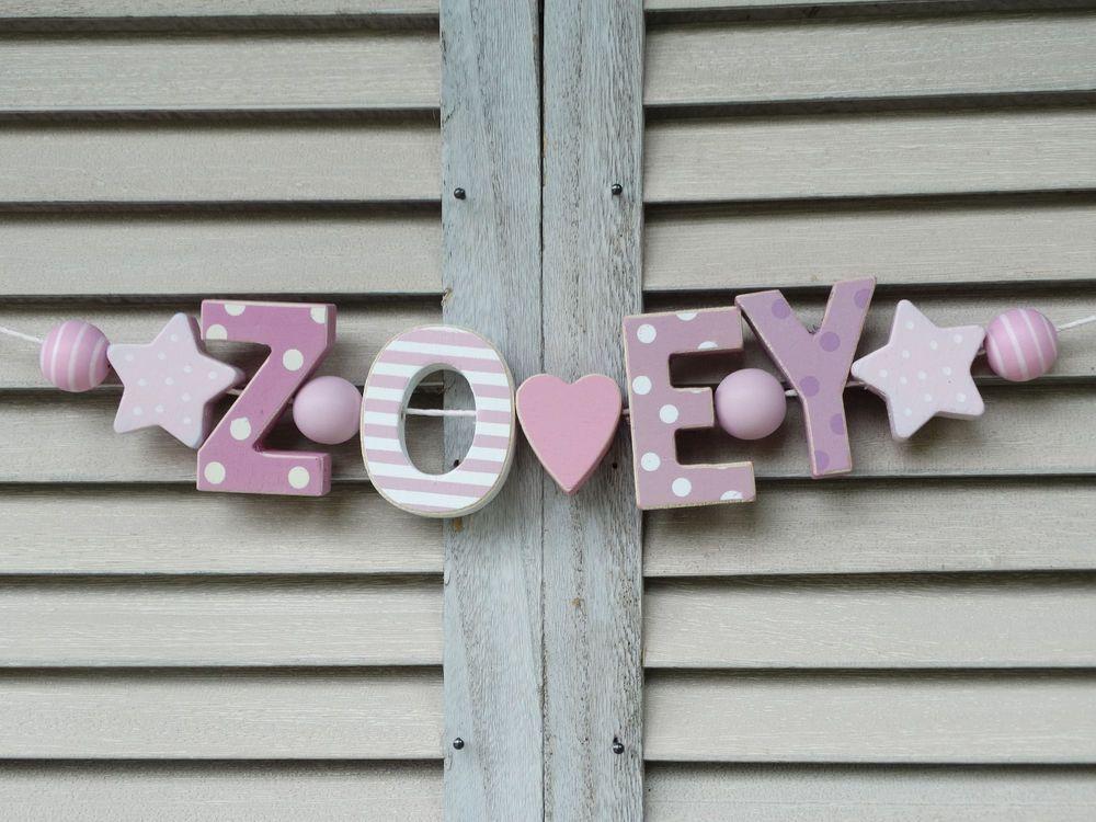 details zu zoey namenskette kinderzimmer rosa holz buchstaben taufe baby name deko shabby in. Black Bedroom Furniture Sets. Home Design Ideas