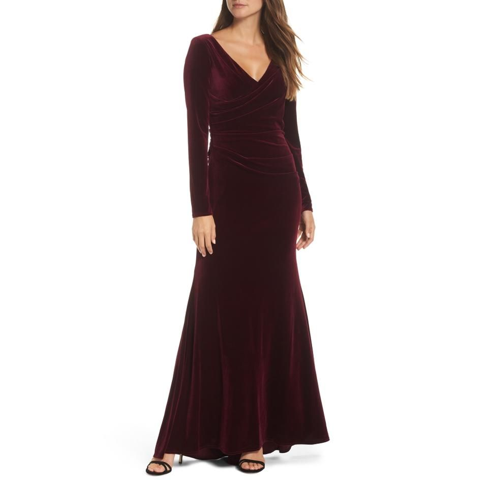 Vince Camuto Burgundy Velvet Ruched Long Formal Dress Size Petite 2 Xs In 2021 Long Sleeve Bridesmaid Dress Velvet Bridesmaid Gowns Velvet Dress Long [ 960 x 960 Pixel ]