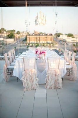 Wow.  In the future, I WILL have a terrace to have dinner parties set so simply and elegantly like this.