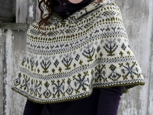 Northern Lights Cape, me-sized | Ponchos, Tejido y Capilla