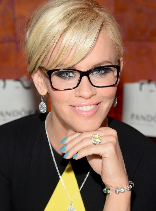 Jenny McCarthy Demonstrates That Nail Polish Can Make Your Eyes Pop (Yes, Seriously!)