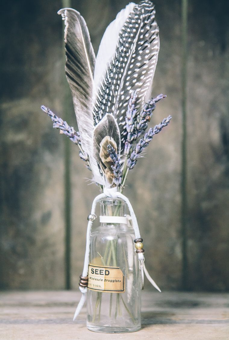 Decorating with feathers and