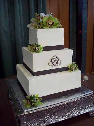 square tiered wedding cakes The day well say we do 3