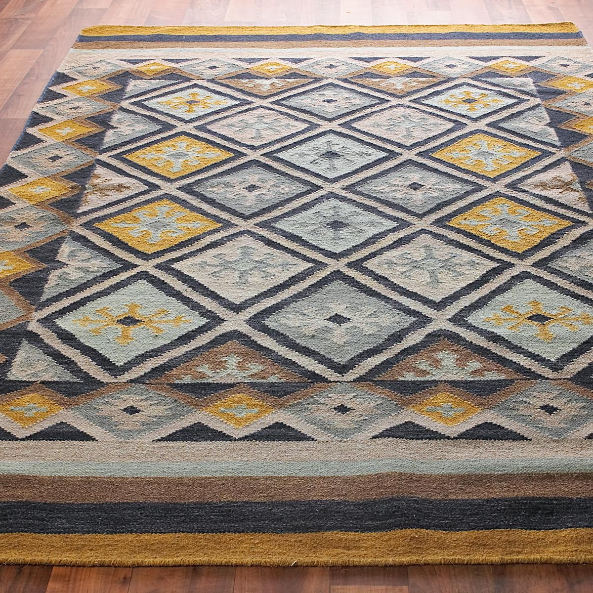 Moroccan Diamond Dhurrie Rug 2 Colors A Blend Of Bright And Subdued