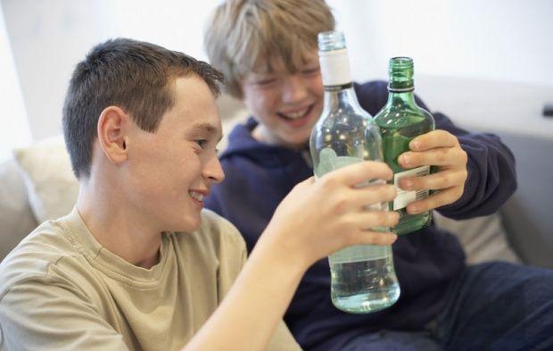 Деца у Србији почињу да пију са 13 година! - http://www.vaseljenska.com/drustvo/deca-u-srbiji-pocinju-da-piju-sa-13-godina/