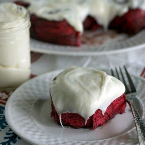 red velvet rolls with cream cheese frosting