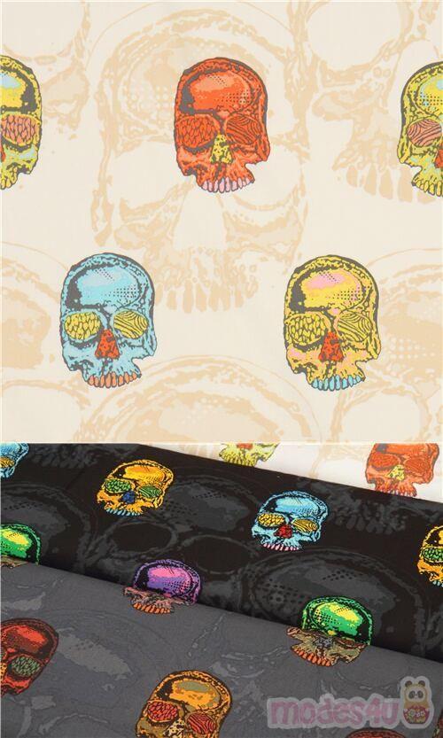 tessuto bianco panna con teschi arancioni, blu, verde pallido, ecc., Materiale: 100% cotone, Tipo di tessuto: tessuto di cotone liscio, Ripetizione motivo: ca. 59,5cm #Cotone #Ossa #Scheletri #Teschi #TessutoUSA