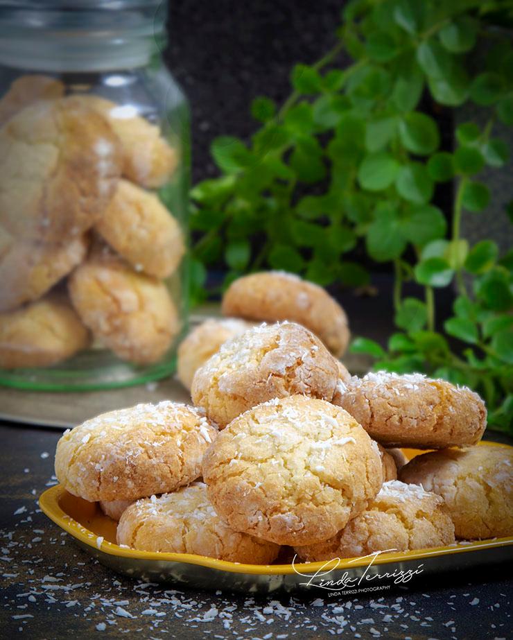 Zachte kokoskoekjes ⋆ het lekkerste recept voor krokante & zachte koekjes
