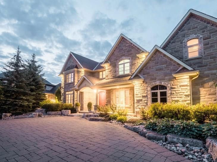 Check out this dream house in Deer Ridge Kitchener. Talk about curb appeal! As & Check out this dream house in Deer Ridge Kitchener. Talk about curb ...