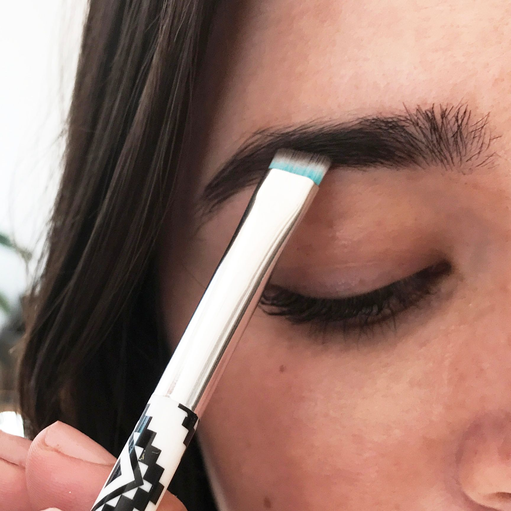 Color In Brows With Buildable Eyebrow Powder Make Me Brow Duo