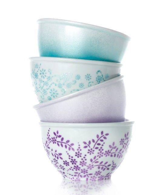 DIY painted bowls make a perfect gift!