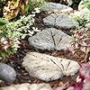 DIY OUTDOOR LEAF STEPPING STONES