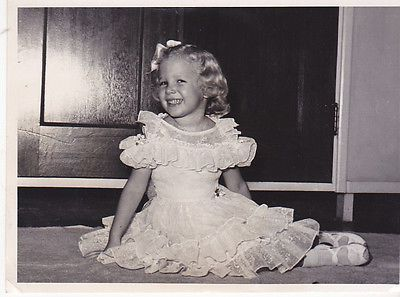 1950s-Cute-young-blonde-girl-in-dress-vintage-fashion-photo-Children-Kids-Smile