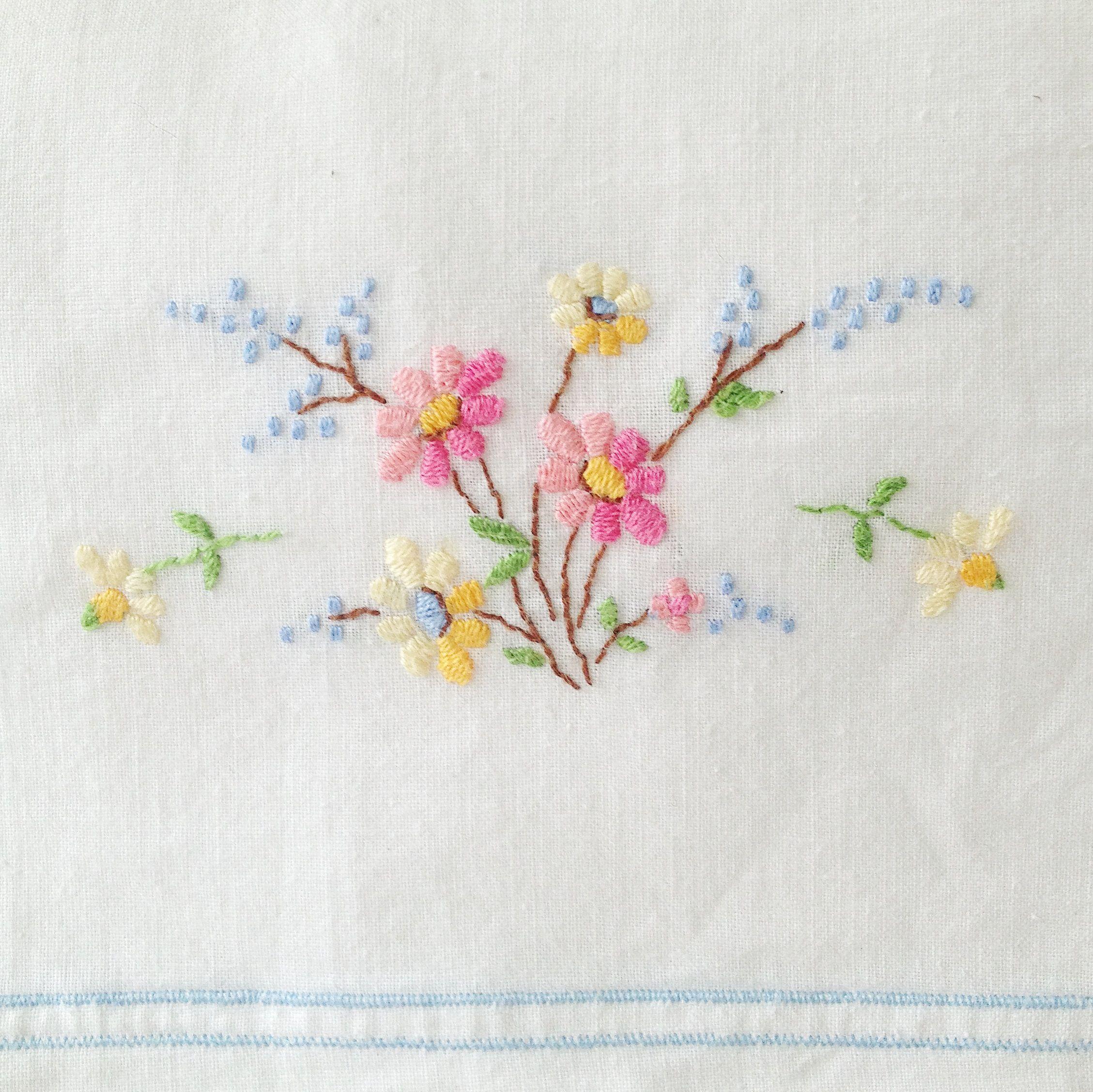 Vintage pillowcase embroidery   вышивка красивая   Pinterest ...
