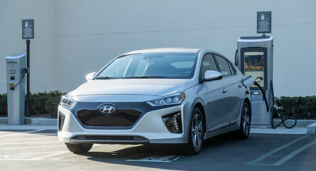 Hyundai To Boost Ioniq Electric Range For 2020 With Larger Battery Hyundai Elantra Hyundai Elantra