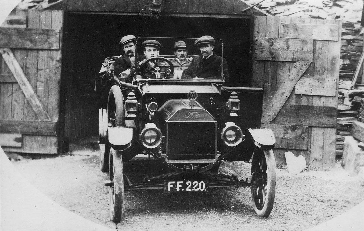 Caernarfonshire, Bangor registered vintage car circa 1920 ...