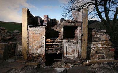 #historic house in lancashire england  #witch #pendle hill #lancashire #malkin tower Mögliches Hexenhaus aus dem 17. Jahrhundert entdeckt http://www.g-geschichte.de/News-Neuzeit/Mogliches-Hexenhaus-aus-dem-17.-Jahrhundert-entdeckt.html