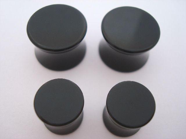 white plugs 10 8 6 4 2 0 00 gauge