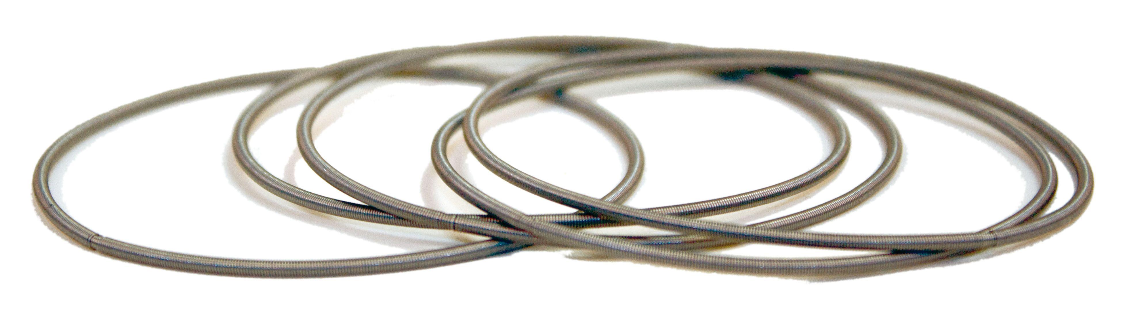 MUELLES DE PULSERA. Fabricado en alambre de acero Inoxidable AISI 302 EN 10270 - 3 1.4310 X 10 CrNi18-8. CÓDIGO 1447 con 20 unidades por bolsa (granel) o CÓDIGO 2447 con 20 unidades por blíster.