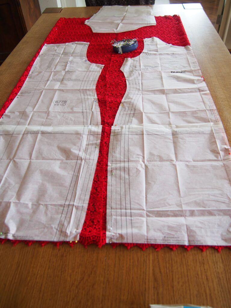 ein Kleid aus Spitze nähen: Nähbeschreibung für ein festliches Kleid aus Spitze