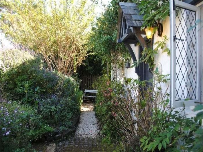 Real Storybook Cottage Reminiscent Of Rosehill Cottage In